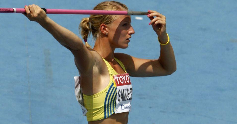 Sueca Jessica Samuelsson prepara lançamento de dardo durante o Mundial de Daegu