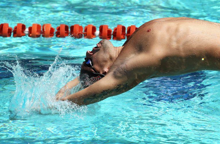Thiago Pereira não teve dificuldades para vencer os 200 m costas no José Finkel