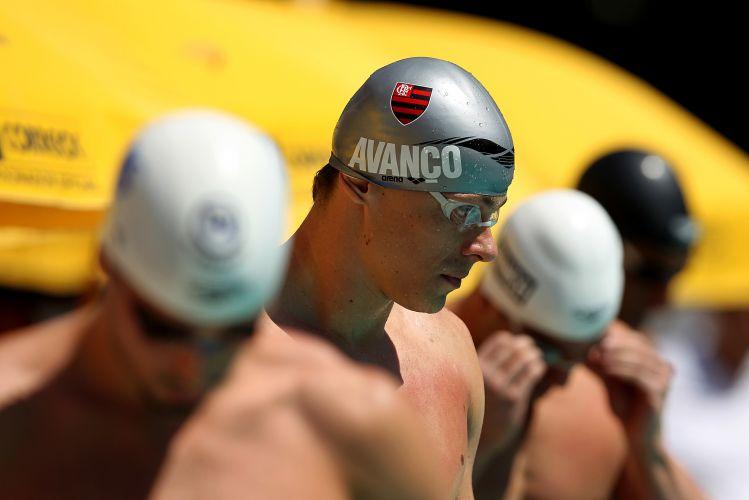 Cesar Cielo se prepara antes da final dos 50 m livre que ele venceu nesta quarta-feira, em Belo Horizonte