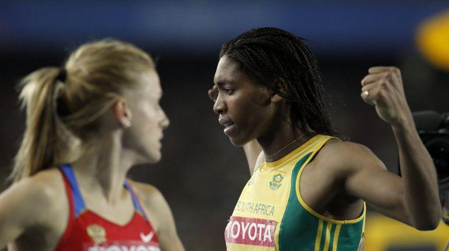 Detalhe da sul-africana Caster Semenya, que após superar as suspeitas de que seria hermafrodita venceu a semifinal dos 800m e foi à final da prova com o melhor tempo.