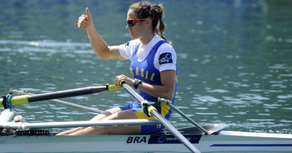 Fabiana Beltrame se preparara para a final dos skiff simples leve feminino antes de conquistar o ouro