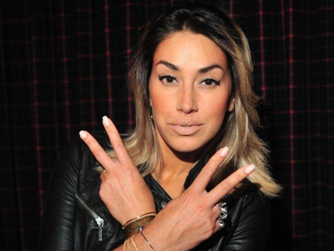 A ex-panicat Dani Bolina também já foi namorada do atacante do Corinthians Adriano