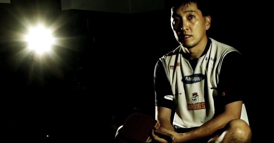O mesatenista Hugo Hoyama é o atleta que mais conquistou medalhas de ouro em Pan-Americanos para o Brasil. Em Guadalajara, o veterano quer aumentar a conta. Será que também vai carregar a bandeira?