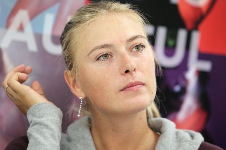 A tenista russa Maria Sharapova ascendeu no ranking mundial tendo voltado às decisões de Grand Slams e ainda faz parte do top 10 de atletas mais valorizados ao ser avaliada em US$ 9 milhões
