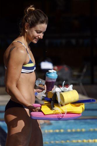 Musa da natação, Flávia Delalori treina no México