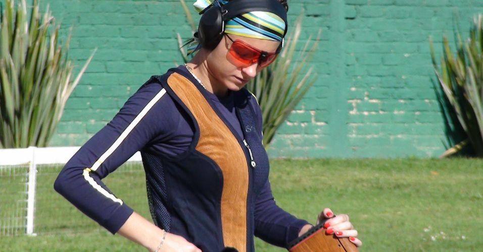 Karla de Bona é a musa do tiro brasileiro no Pan de Guadalajara