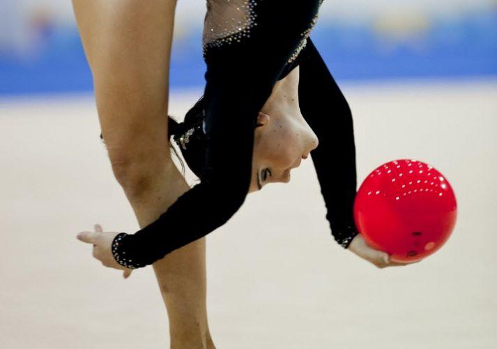 Angelica Kvieczynski faz performance que lhe valeu o bronze, com 98.200 nos quatro elementos (arco, maças, bola e fita)