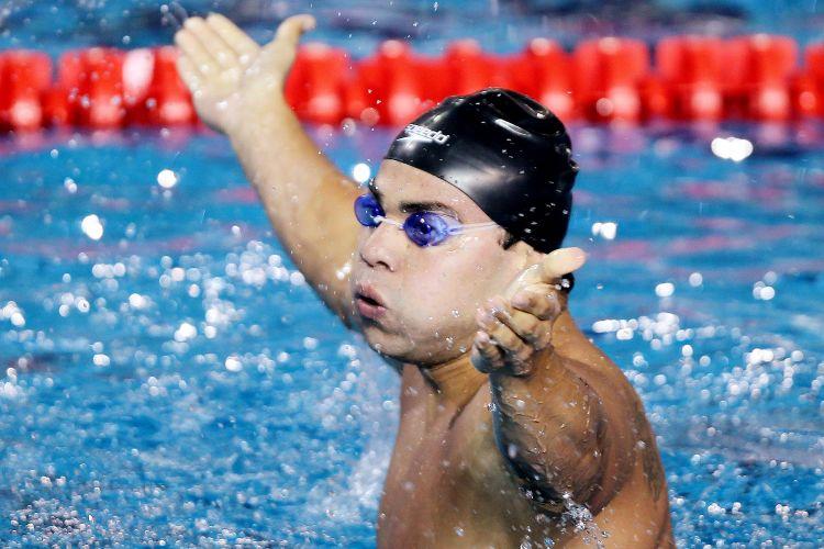 Felipe França venceu os 100m peito com o tempo de 1min00s34