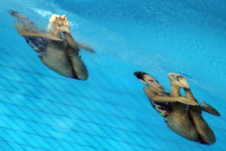 A dupla brasileira do nado sincronizado Nayara Figueira e Lara Teixeira estreou nesta terça-feira em Guadalajara