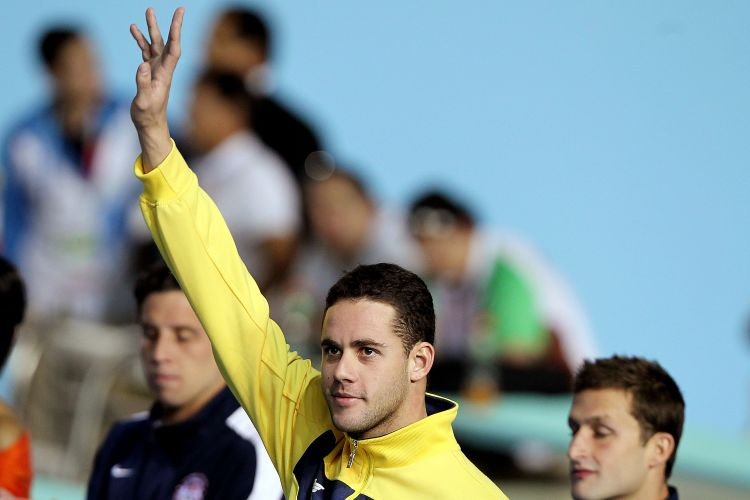 Thiago Pereira comemora seu bronze nos 200 m peito