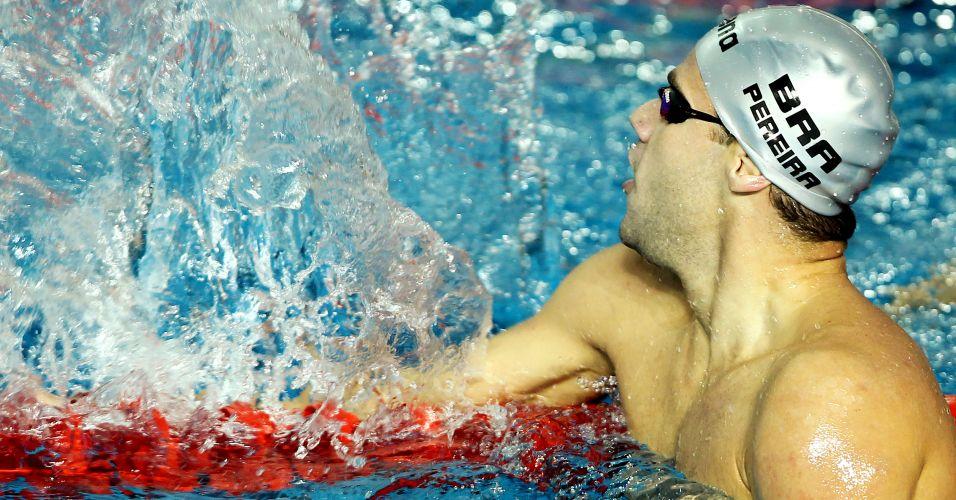 Thiago Pereira chegou a 12 ouros em Pans nesta sexta-feira. O primeiro ouro da noite veio nos 200 m costas (foto), seguido pela conquista no revezamento 4x100 m medley
