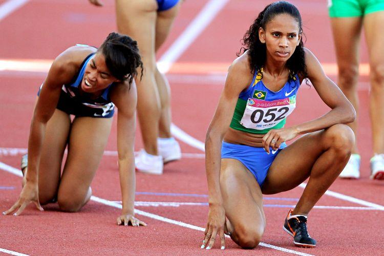 Christiane Ritz dos Santos lamenta ficar fora do pódio nos 800 m, ao terminar a prova na 5ª colocação