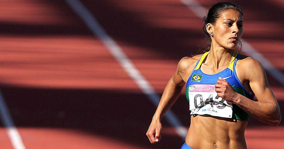 Ana Claudia Silva venceu sua bateria de semifinal dos 200 m rasos, com o tempo de 22s72