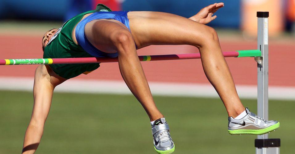 Valdiléia Martins tenta ultrapassar o sarrafo na final do salto em altura