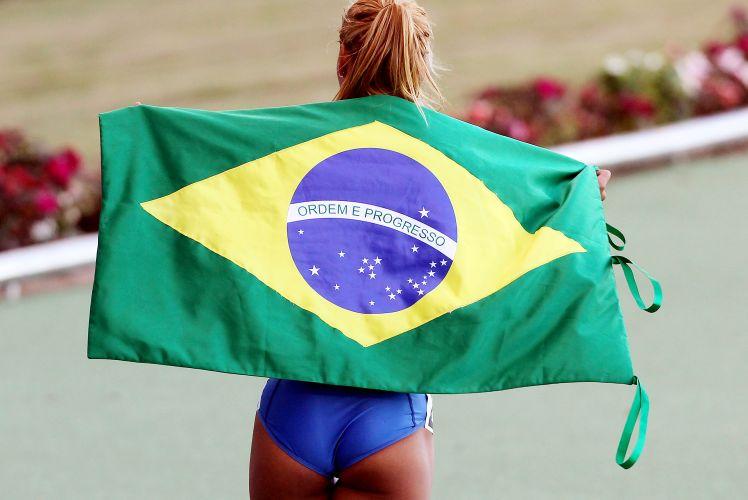 Lucimara Silvestre, bronze no Pan-2007, comemora o ouro em Guadalajara, ao dominar o heptatlo