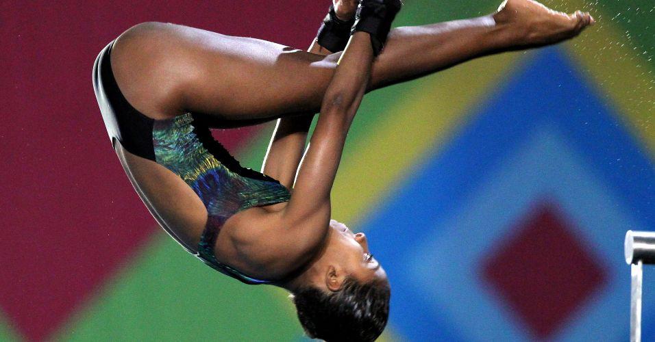 Natali Cruz avançou para a final dos saltos ornamentais em 11º