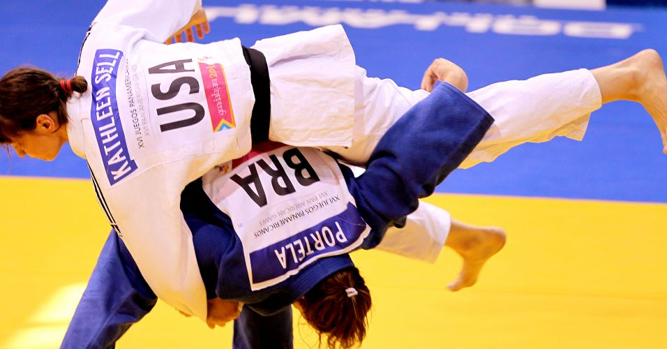 Maria Portela arma ippon contra a norte-americana na disputa do bronze