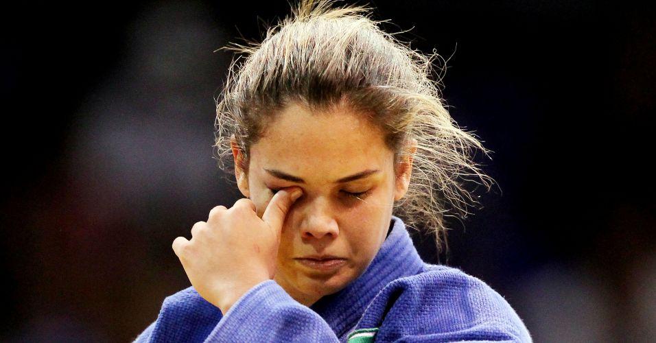 Katherine Campos lamenta a derrota para a canadense Stéfanie Tremblay, na decisão da medalha de bronze na categoria até 63kg