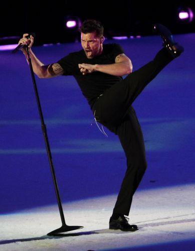 Ricky Martin levantou público e fechou festa que marcou o fim do Pan-Americano 2011, realizado no México