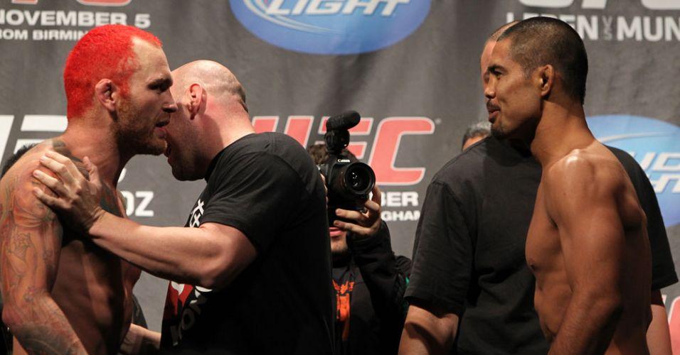 Dana White separa Chris Leben, após momento mais tenso da pesagem do UFC 138
