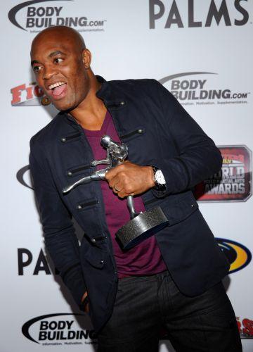 Anderson Silva levou o prêmio de melhor nocaute do ano