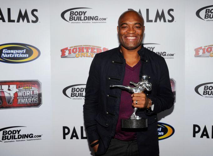 Anderson Silva concorria em duas categorias: lutador do ano e nocaute do ano