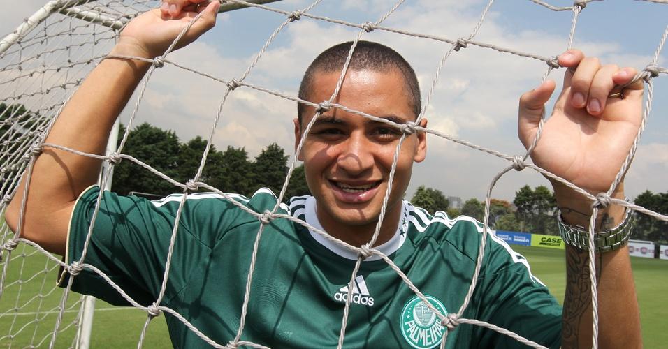 Wellington Paulista chegou ao Palmeiras como opção para a vaga de centroavante. A parceria de Cruzeiro com Kleber, no entanto, foi reeditada poucas vezes. Ele brigou com o técnico Felipão e voltou a Minas Gerais antes do fim do empréstimo, após quatro meses sem gol.