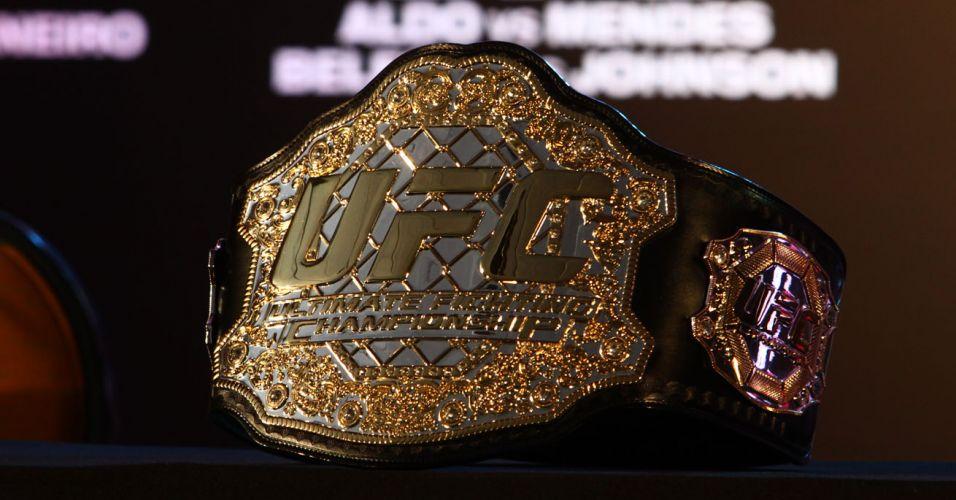 Detalhe do cinturão dos penas do UFC, do brasileiro José Aldo