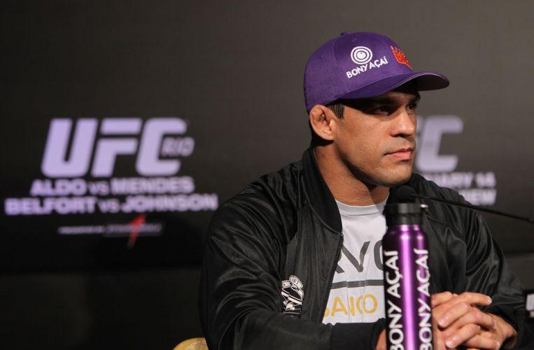 Brasileiro Vítor Belfort venceu Yoshihiro Akyiama em sua última luta pelo UFC