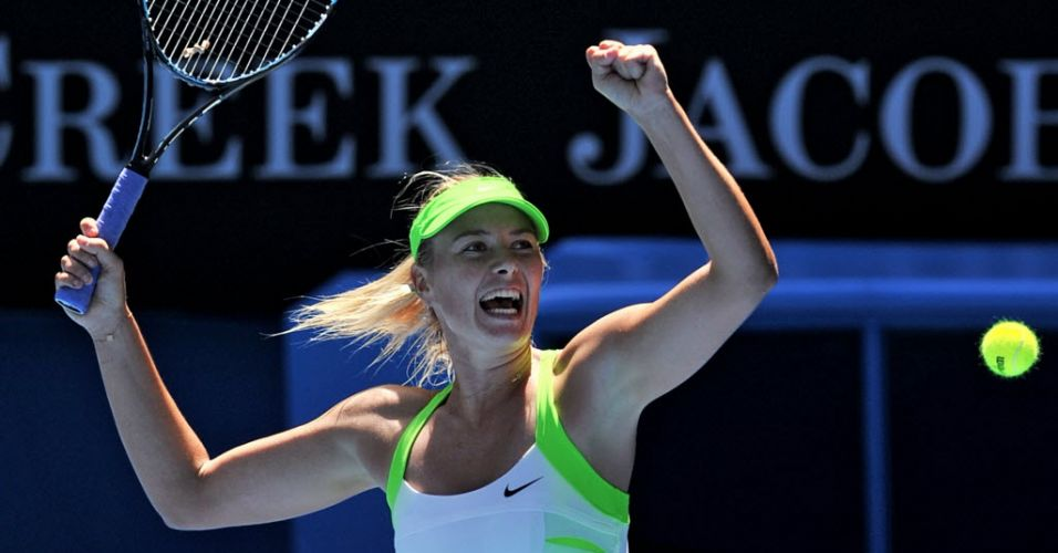 25.jan.2012 - Maria Sharapova vibra após garantir vaga na semifinal do Aberto da Austrália