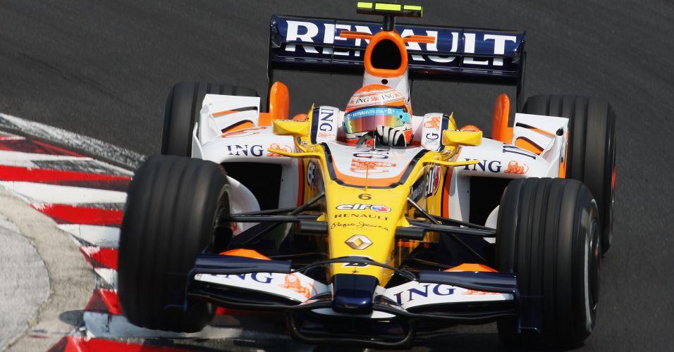 Nelsinho Piquet correu dois anos na Fórmula 1, os dois pela Renault. Na foto, o modelo de 2008
