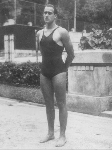 Aos 32 anos, o ex-presidente da Fifa João Havelange foi prata no pólo aquático