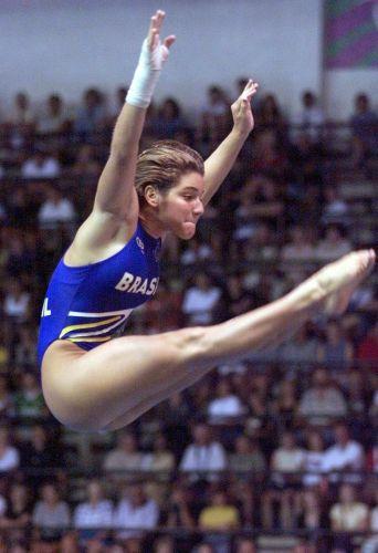 Ainda em começo de carreira, Juliana Veloso disputa prova de saltos ornamentais