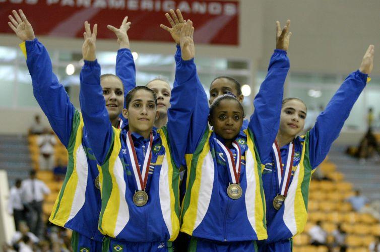 Equipe brasileira de ginástica, com Daniele, Daiane e Laís, fica com a medalha de bronze