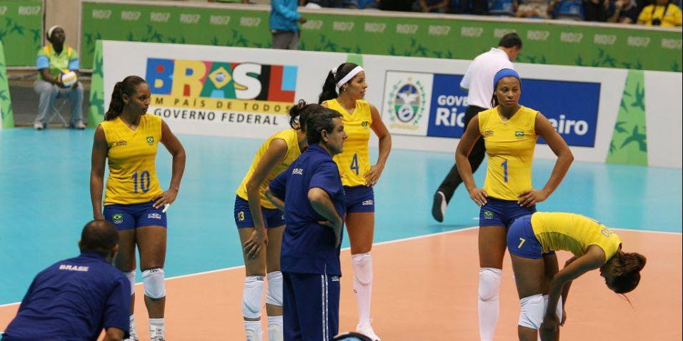 Seleção brasileira feminina de vôlei repete frustrações da Olimpíada de Atenas-2004 e Mundial-2006, quando deixou escapar vitórias que tinha nas mãos. No Pan do Rio-2007, as comandadas de José Roberto Guimarães desperdiçaram seis match points na final contra Cuba e ficaram com a prata