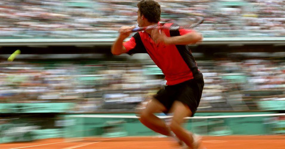 Gustavo Kuerten derrota o espanhol Feliciano Lopez e se classifica para as quartas de final de Roland Garros em 2004; Brasileiro acabou perdendo na partida seguinte contra o argentino David Nalbandian