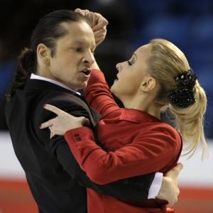 Oksana Domnina e Maxim Shabalin são os atuais campeões mundiais na patinação artística, no gelo