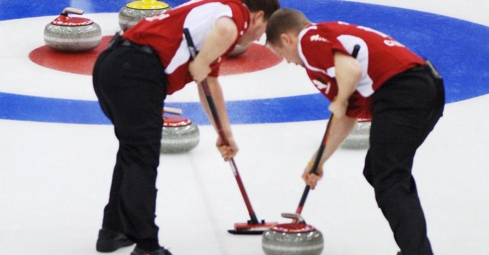 Canadenses na disputa do curling em Turim-2006