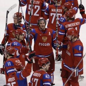 A Rússia era favorita em esportes como o hóquei, em que caiu diante do Canadá nas quartas de final; torcida apreensiva para os Jogos de 2014, em casa