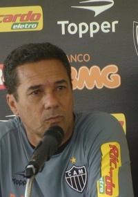 Luxa quer o Atlético-MG atuando para vencer em Teófilo Otoni