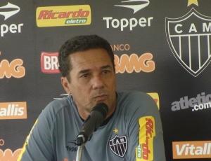 Vanderlei Luxemburgo diz não se empolgar com as duas goleadas seguidas obtidas pelo Atlético-MG