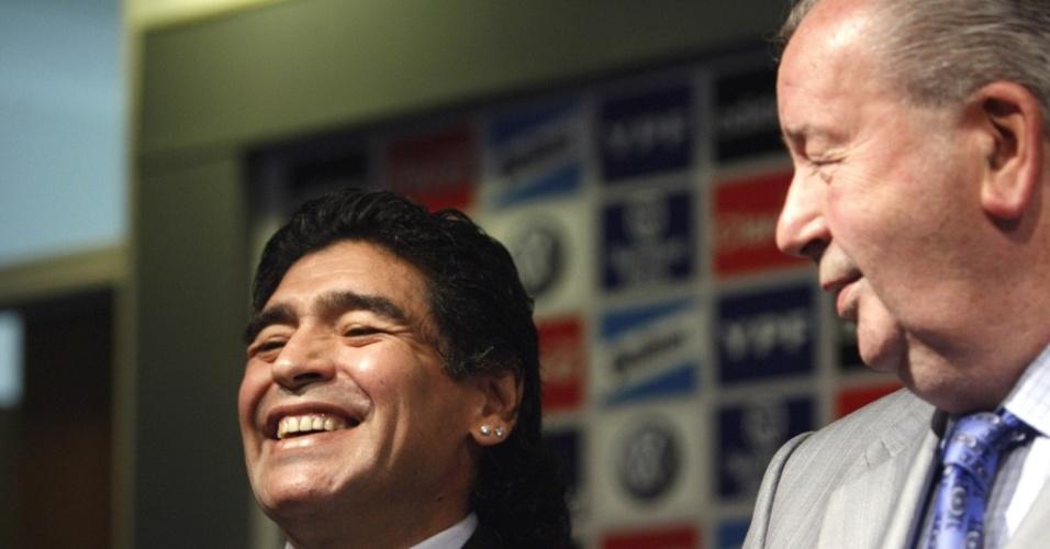 TOP5 - Maradona sorri durante sua apresentação oficial como técnico da Argentina