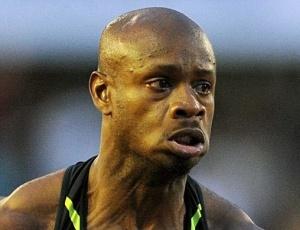 Asafa Powell diz estar sentido dores nas costas