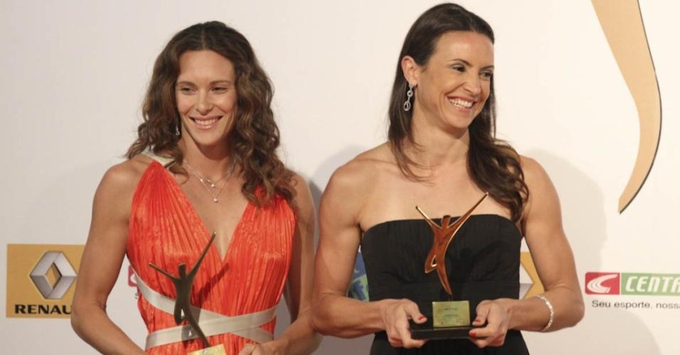 Fabiana Murer (e) e Maurren Maggi são premiadas durante evento em São Paulo