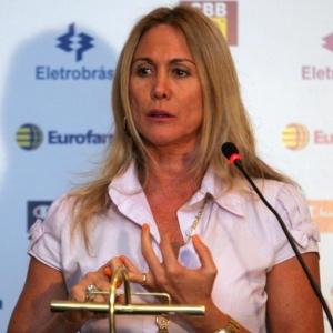 Na Europa, Hortência falou com dois técnicos estrangeiros, que aceitaram comandar a seleção