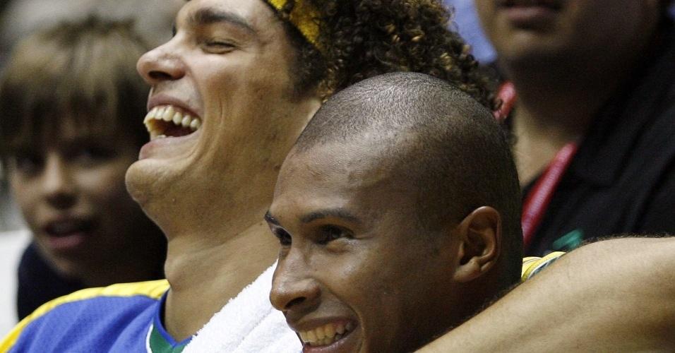 Brasileiros Leandrinho e Anderson Varejão