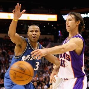 Steve Nash deu 15 assistências, fez 15 pontos e nem jogou no quarto período da vitória dos Suns