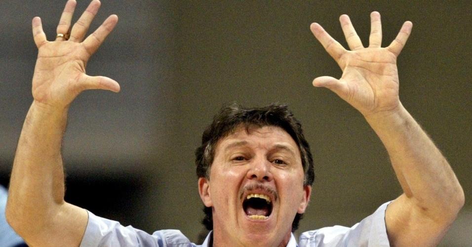 Rubén Magnano, técnico argentino campeão olímpico