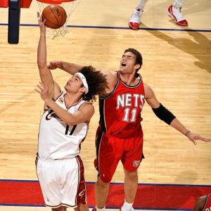 Anderson Varejão foi bem e marcou 15 pontos na vitória dos Cavs sobre os Nets