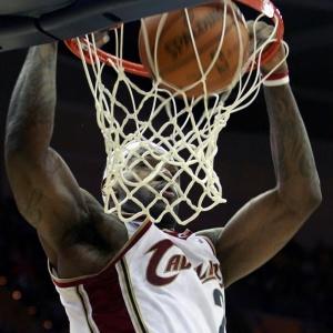 LeBron James enterra na vitória dos Cavaliers sobre Orlando Magic; astro marcou 32 pontos na partida